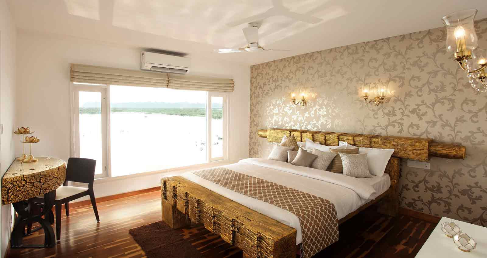 kerala houseboat,kerala luxury houseboat,kerala deluxe houseboat,boathouse,boathouse in kerala,boat house kerala price,kerala houseboat tariff,boat house,luxury boat house